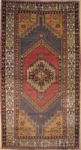 R469 Anatolian Yörük rug