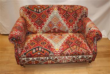 R8409 Antique Juliet Kilim Sofa