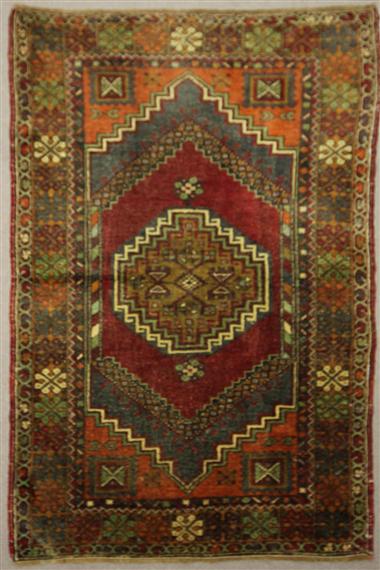 Beautiful Hand Woven Vintage Anatolian Rug R7893