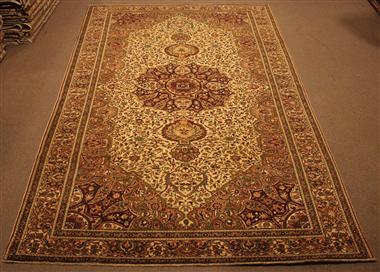 R8600 Decorative Antique Persian Carpet