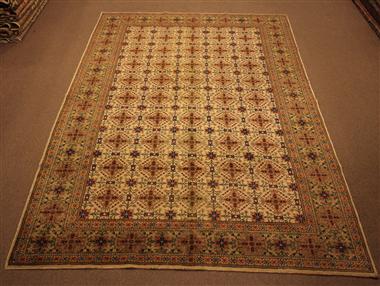 R8589 Decorative Antique Persian Carpets