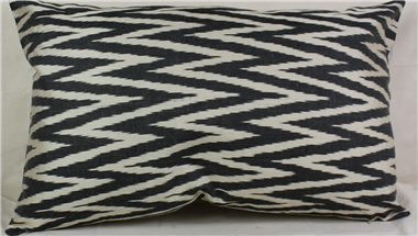 i52 gorgeous-silk-ikat-cushion-pillow-covers