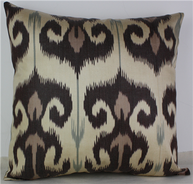 i11 Handmade ikat pillow cover
