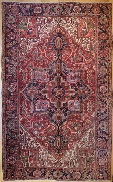 R323 Large Persian Heriz Carpet