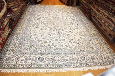R8675 Persian Silk and wool Nain Carpets