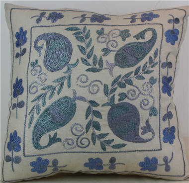 C59 Silk Suzani Cushion Cover