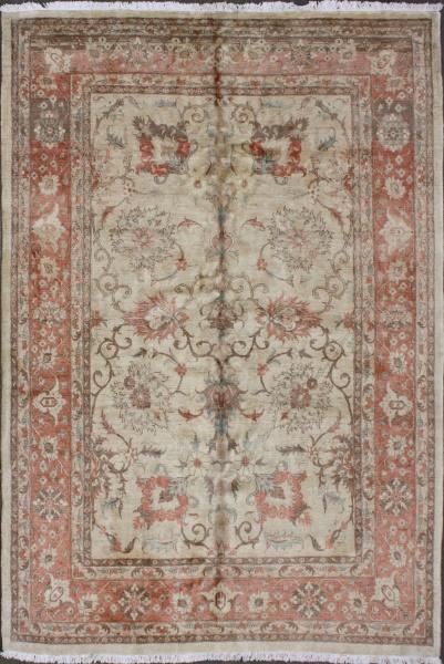 R5833 Persian Tabriz Carpet