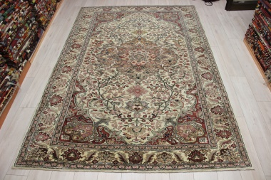 R8945 Vintage Turkish Carpets London