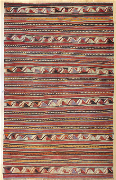 R8126 Vintage Turkish Kilim Rug